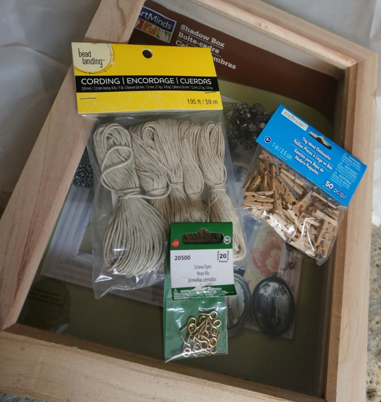 Materials for the frame (all from Michaels) ~~~~~ Materiales para el marco (todo de Michaels)