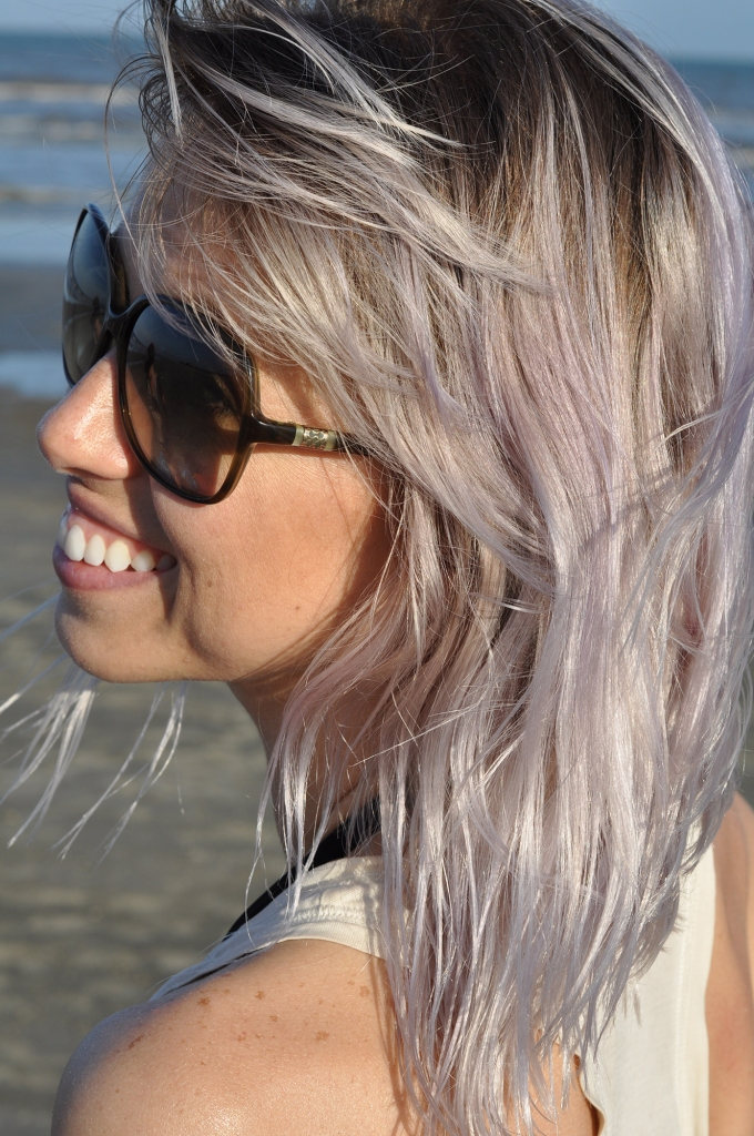 light lavender hair with roots
