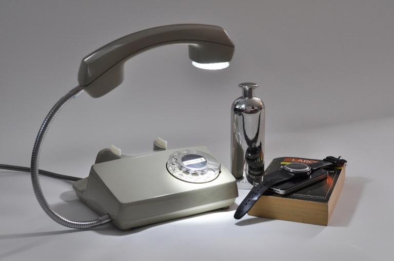 Telefono convertido en Lampara