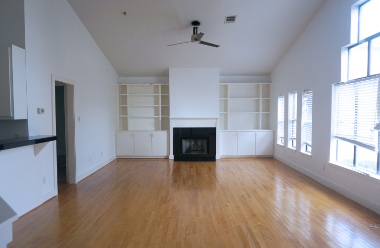 Glidden Ultra Pure White paint in Living Room