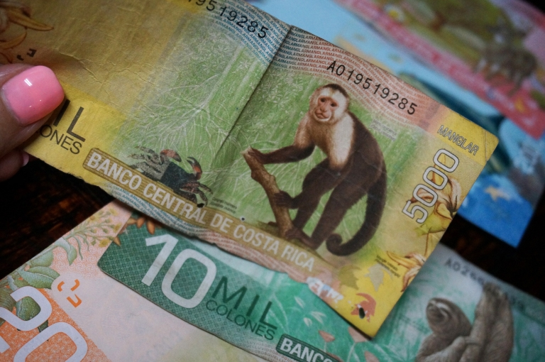 Costa Rica currency - colones